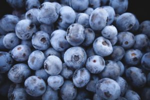 A picture of a bunch of blueberries