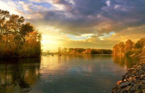 picture of an autumn landscape